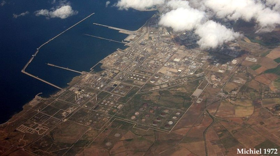 800px-porto_torres_-_chemical_industry.jpg