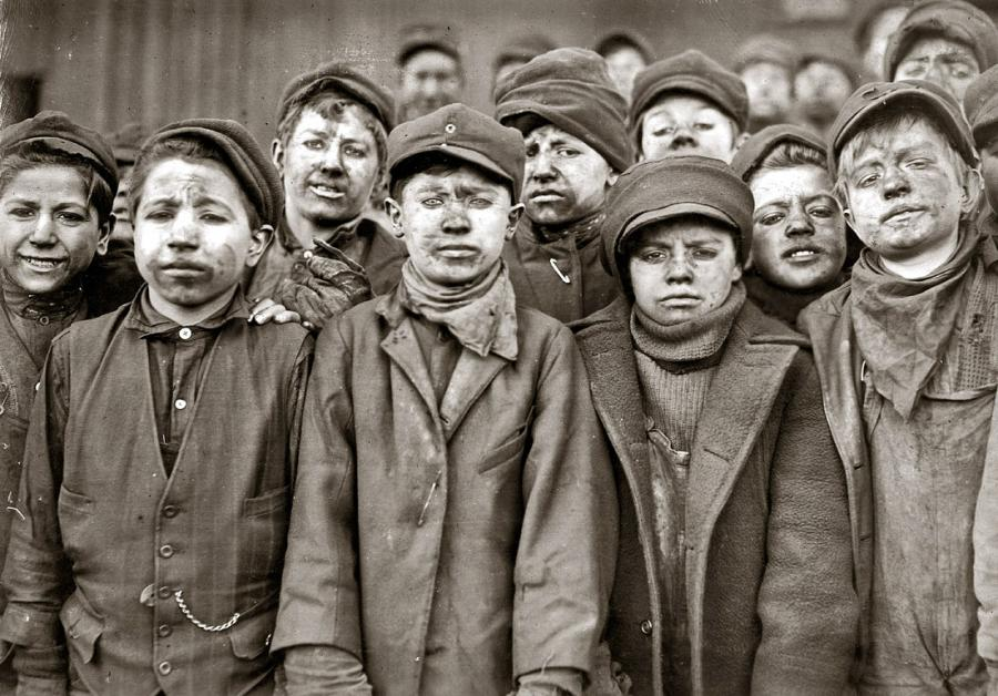 Young mine workers America 1910