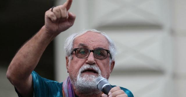 LaPresse11-09-2013 Giugliano in Campania, NapoliCronacaManifestazione No Tav contro costruzione inceneritore nel territorio di Giugliano in CampaniaNella foto: Padre Alex Zanotelli