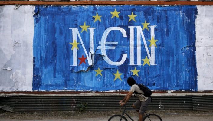 30prima-grecia-no-referendum-europa-banche-murales-graffiti-7-704x400
