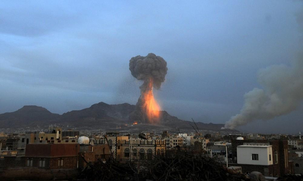 Bombe della coalizione saudita su Sanaa